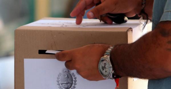 """Por primera vez, los candidatos mendocinos deben presentar su """"Ficha Limpia"""""""