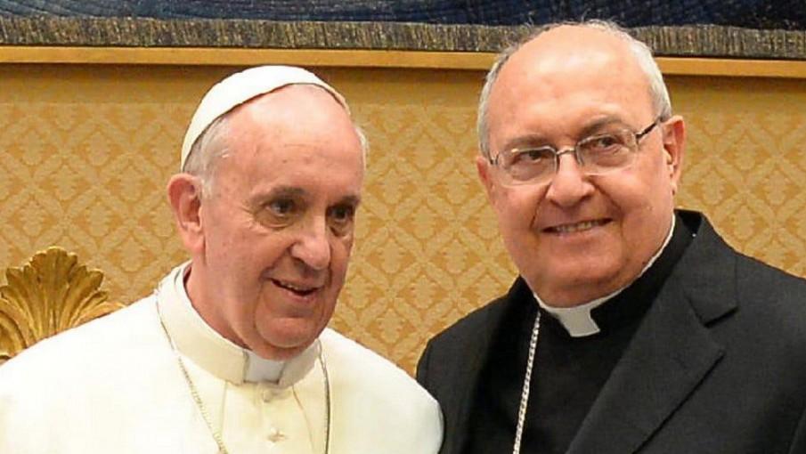 El Papa y Sandri